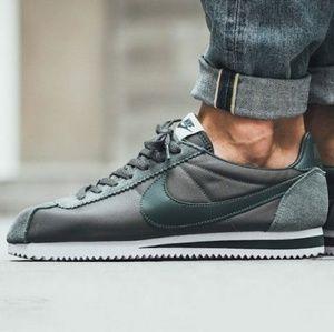 Nike Classic Cortez Nylon RiverRock men's sneakers